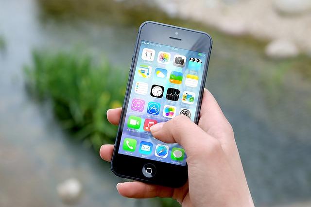 ২০১৭ সালে সবচেয়ে বেশি বিক্রি হওয়া তালিকার শীর্ষে রয়েছে আইফোন